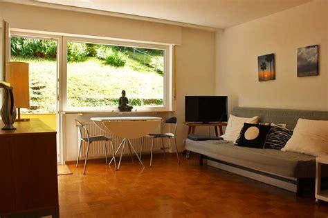 bücherwand fernseher stuttgart living m 246 blierte wohlf 252 hl apartments auf