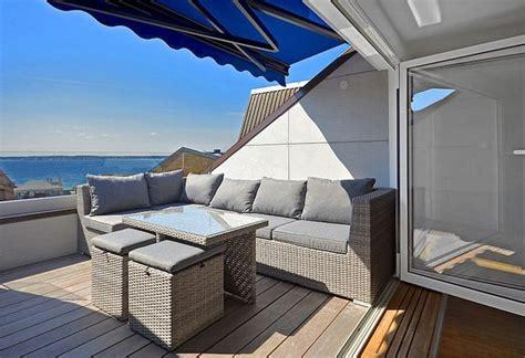 markise oder sonnenschirm 220 ber 1 000 ideen zu sonnenschutz balkon auf