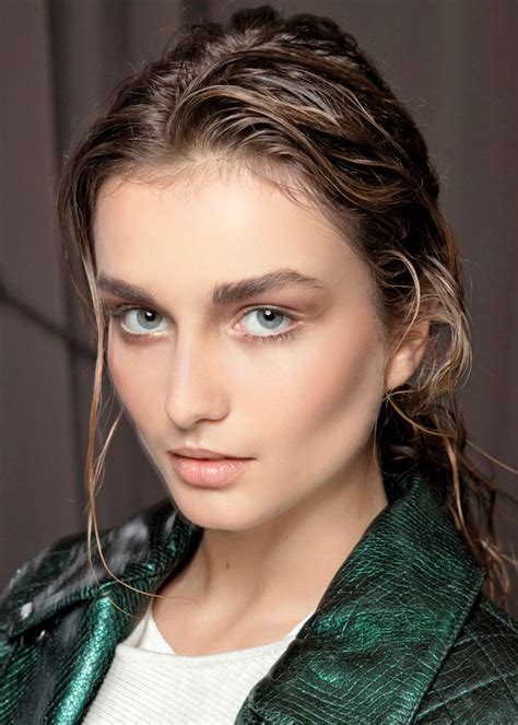 wet and messy hair look 2017 wet look ponytail hairstyle ideas new hairstyles