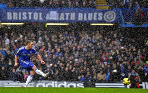 chelsea yesterday results chelsea holds on to spike gunners chinadaily com cn