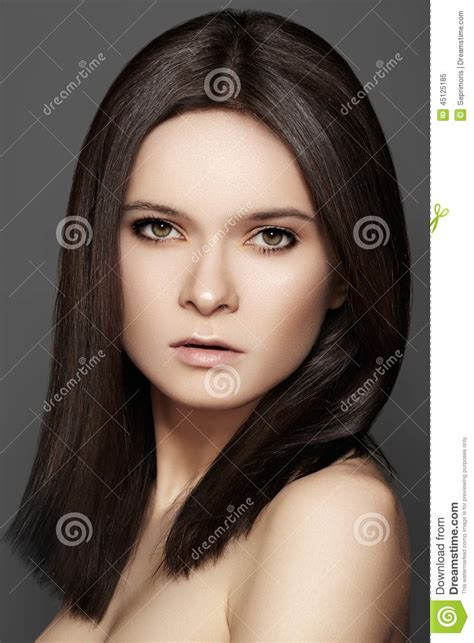 natural hairstyles brunette beautiful brunette with middle hair style daily eye make