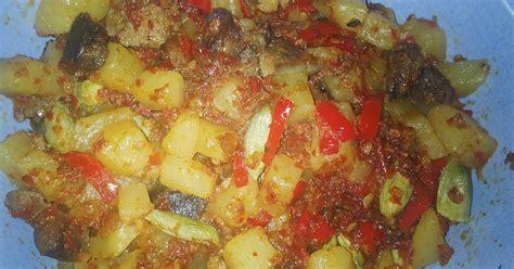 Nasi Ayam Goreng Goyang Lidah Paket Halal 1 resep sambel goreng kentang ati goyang lidah enak dan sederhana cookpad