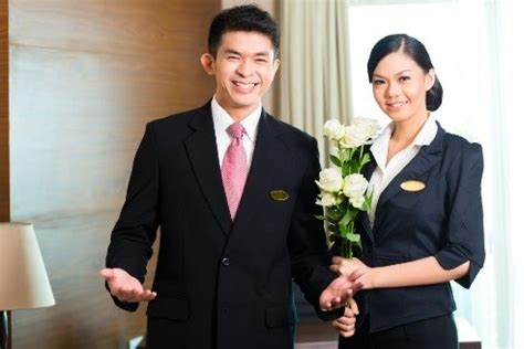 rooms division manager 5 ways to become an extraordinary rooms division manager international hotel school