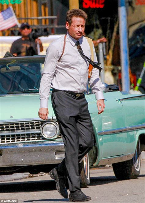 Duchovny Back On Tv by David Duchovny Gets To Work As Lapd Sergeant On The La Set