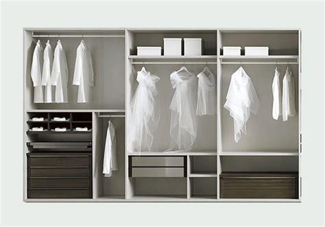 attrezzatura interna armadio la disposizione interna degli armadi quando il dentro 232
