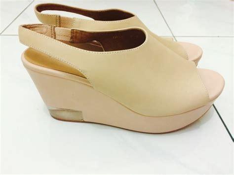 Vincci Heels Sandal Ujung Lancip sepatu sepatu cantik ini akan memaksimalkan tilan kamu