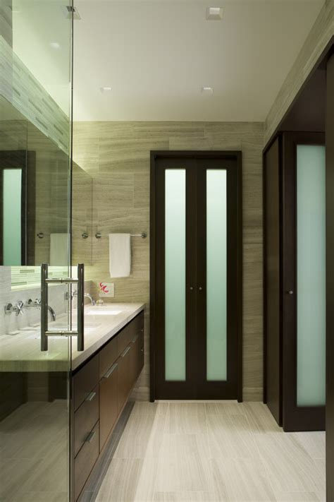 Modern Bathroom Doors The Bifold Bathroom Door Can You Tell Me Who Makes