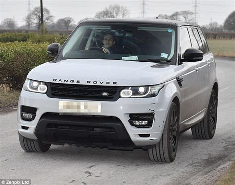 alexis sanchez clean cars manchester utd stars arrive for training ahead of palace