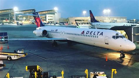 delta airlines boeing 717 trip report lax pdx youtube