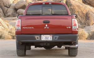 2006 Mitsubishi Durocross Review 2006 Mitsubishi Durocross Cab Rear Profile