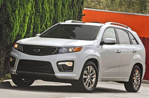 2013 Kia Sorento Pictures 2013 Kia Sorento Reviews And Rating Motor Trend