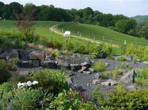 steingarten am hang bilder die 10 sensationellsten steingarten bilder