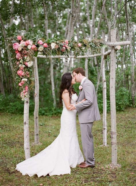 30 Summer Wedding Arches And Backdrops   Weddingomania