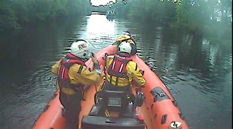 lough derg boat lough derg rnli called to stricken boat on the shannon