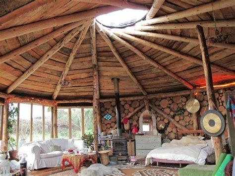Holz Und Stein Haus Pläne by Haus Aus Holz Mal Anders Holzscheite Als Element Des