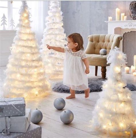 weihnachtsbaum federn weihnachtsbaum aus federn traumhaft sch 246 n und led