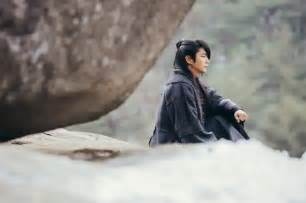 Sbs quot scarlet heart goryeo quot releases first stills of lee joon gi and