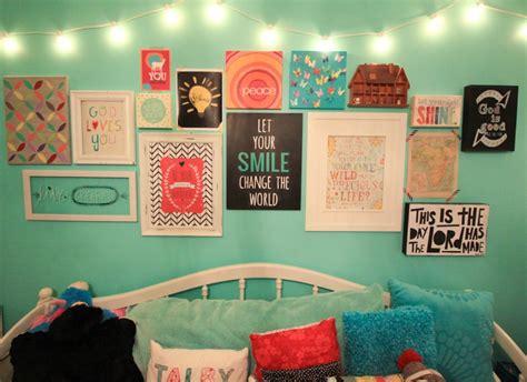 teenage bedroom walls whatever blog talby s room gallery wall gallery of
