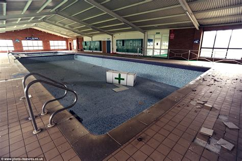 yarmouth scow for sale haunting images show abandoned pontins holiday park in