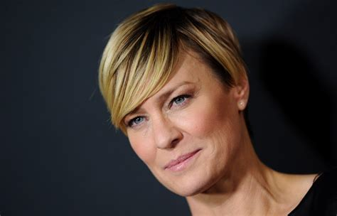 what to know about robin wrights house of cards style robin wright photos photos house of cards season 2