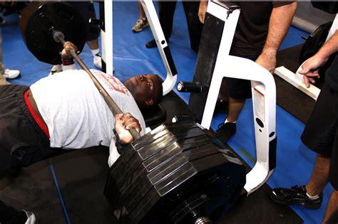 hench bench 100 500 lbs bench press gold u0027s gym xrs 20
