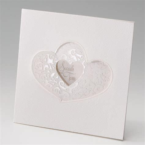 Hochzeitseinladungen Mit Herz by Ausgefallene Einladung Zur Hochzeit Mit Zwei Ausgestanzten