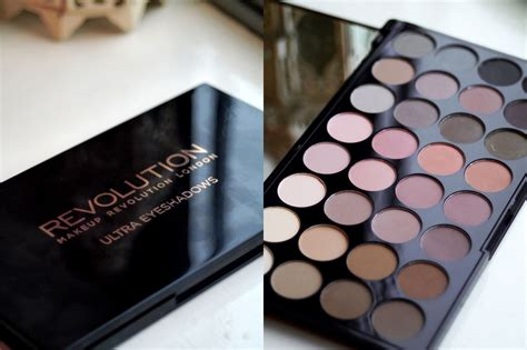 Eyeshadow Revolution makeup revolution awesome eyeshadow palette