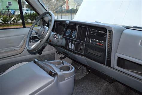 standard jeep interior 1990 jeep comanche base standard cab pickup 2 door 4 0l