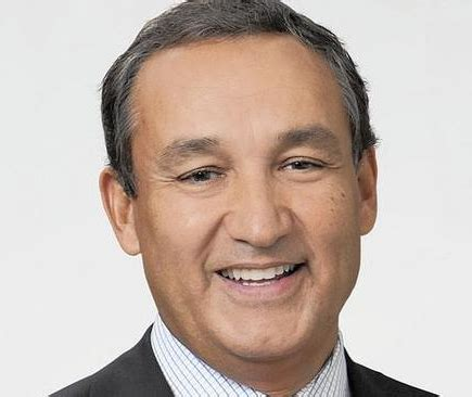 oscar munoz united ceo jeff smisek steps down from leadership roles at united oscar munoz named as new president and
