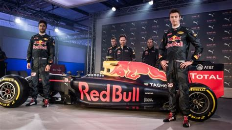 Red Bull reveal 2016 F1 livery