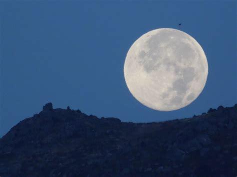 imagenes reales luna el real de san vicente toledo luna llena sobre el pico