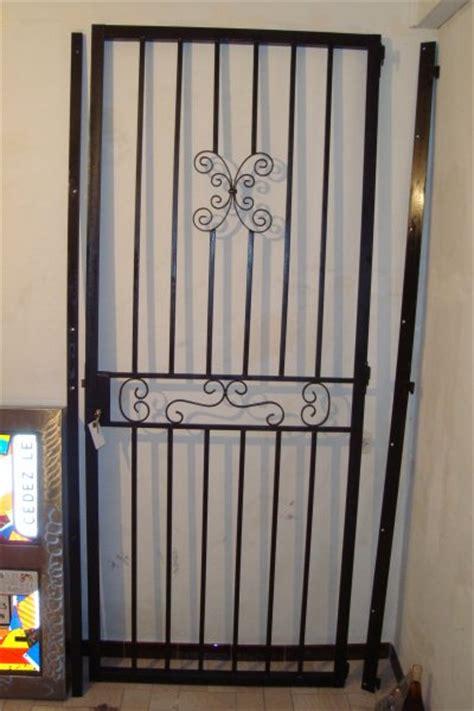 Devant De Porte D Entrée by Grille De Protection Porte Obasinc