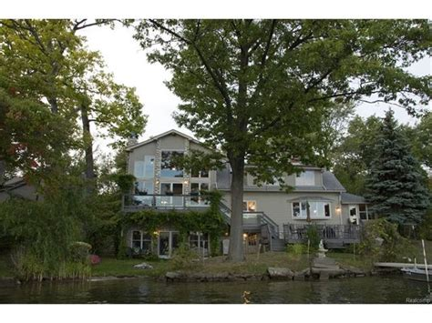 home for sale 1007 mallow st oakland county lakefront