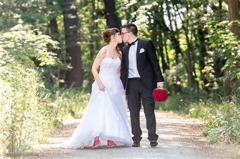 Hochzeit Turnschuhe by Hochzeitsfotos Neu Isenburg Turnschuhe Zeitlos Und