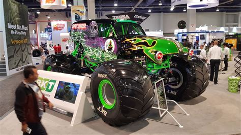 grave digger truck specs sema 2017 review in pictures best bits of the tuning