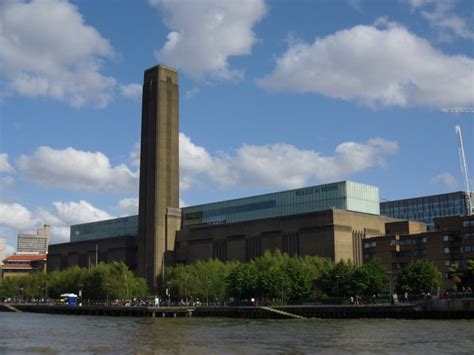 Thames River Boat Tate Modern | tate modern seen from the river thames 169 graham robson