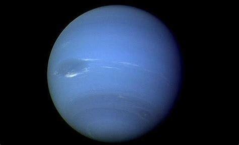 imagenes reales de urano voyager 2 la sonda que nos mostr 243 neptuno