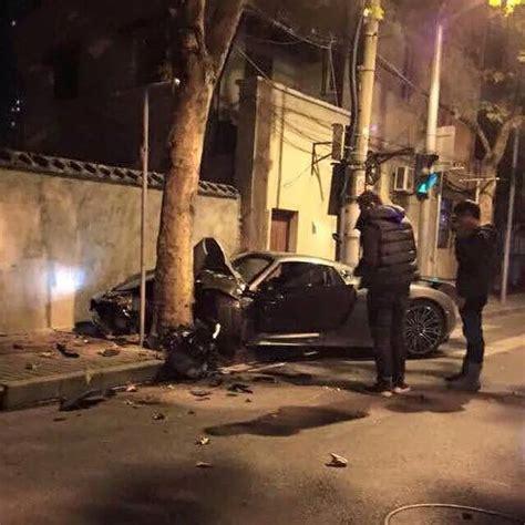 porsche 918 crash porsche 918 spyder crashes in china gtspirit