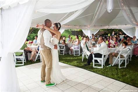 casual backyard wedding jill brandon s casual backyard wedding kelly benton