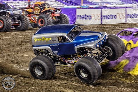 grave digger legend truck 2014 jam at ta s raymond stadium feb 2nd