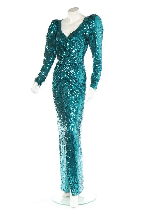 Dianas Dress Sells For 60000 by Princess Diana S Iconic Dress Is Expected To Sell For 163