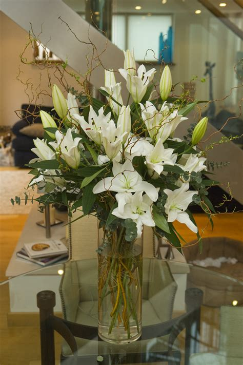 How To Arrange Lilies In A Vase by White Or Pink Arrangment N1 Flowers Ltd Florist In Islington