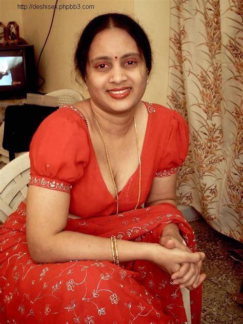 kerala aunties removing dress fatty aunties changing dress hd image desi fatty milf