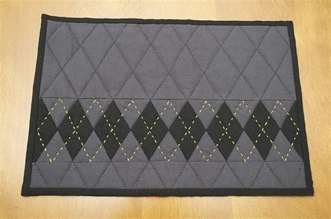Yummy Masculine Mug Rug Quintessential Quilts Pinterest Masculine Area Rugs
