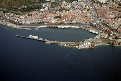 di commercio reggio calabria reggio ospita il convegno portualit 224 e logistica alla