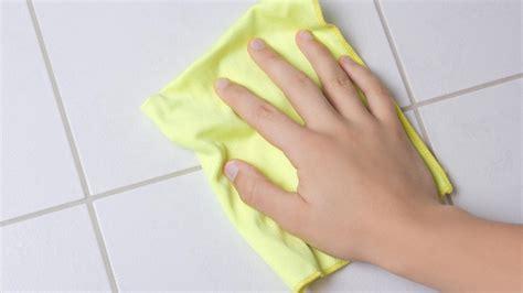 Badezimmer Fliesen Richtig Putzen by So Reinigen Sie Fugen Und Fliesen Richtig