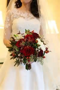 The best christmas wedding flowers for that festive feel festive red