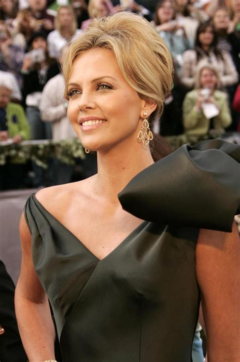 short old fashioned haircuts charlize theron sporting an 10 hairstyling tricks every woman should know ask the