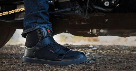 Sepatu Boot Sepeda Motor tak hanya gaya sepatu ini juga bermanfaat untuk