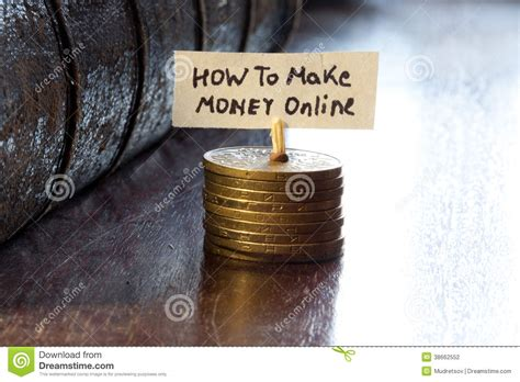 How To Make Money Online As A Photographer - how to make money online stock photography image 38662552